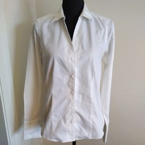 Foxcroft white fitted blouse. Size 6